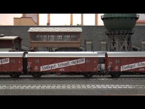 "Märklin Items 26549 & 48850 - ""Leig-Einheit"" Set BR 38 pulling consist of double freight cars"