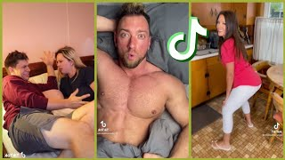 Why the hell is he n*ked ?!! 😜 Tiktok couple pranks compilation