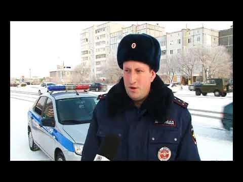 Госавтоинспекторы Саяногорска рассказывают о правилах ПДД с помощью громкоговорителя