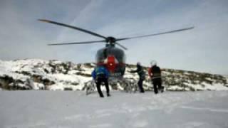 Hubschrauberübung mit dem Hubschrauber der Polizei