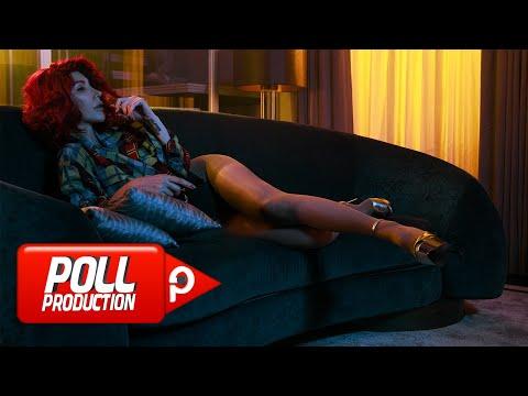 Hande Yener - Sahte (Official Video)