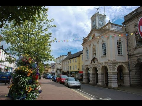 Places to see in ( South Molton - UK )