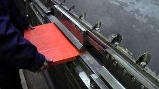 Производство фасадных кассет(Производство фасадных кассет на Александровском заводе кузнечно- пресового оборудования., 2014-03-18T07:46:07.000Z)