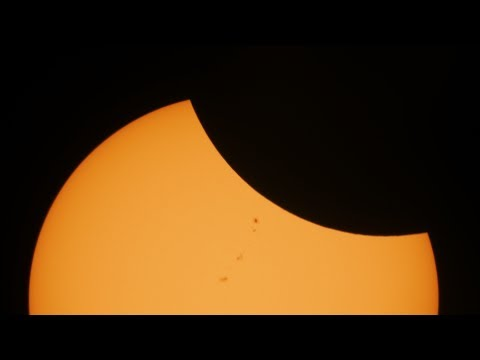 2017 Eclipse in 1080p: Bend, OR: Maximum Occultation Footage: Moving Object at 27:27!!!!