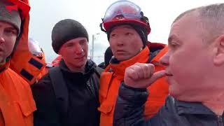 Стихийная забастовка рабочих на территории стройки на Русском острове/Часть 2