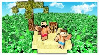 SI PUÓ SOPRAVVIVERE IN UN MARE DI CREEPER? - Minecraft ITA