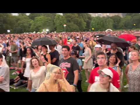 Evacuation of NYC Central Park concert in mid-performance, and singing on the subway