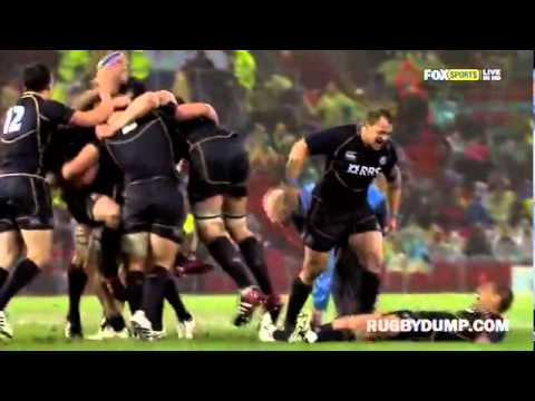 Scotland vs Australia celebration head clash