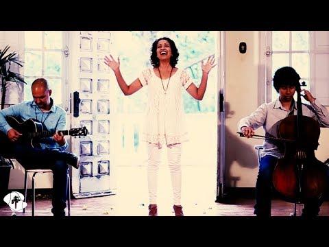 Primeiro Amor, Raquel Carpejani - CLIPE OFICIAL