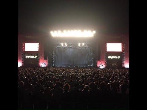 Eminem on Reading Festival 26/08/17 (first 20 min)