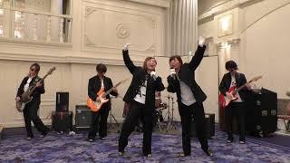友人の結婚式の余興で、即興ガールズバンドで演奏&ダンスをしました。 ...