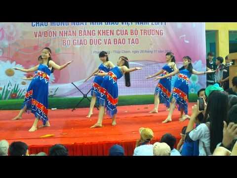 Vũ điệu gà rừng - 8.2 và 9.2 trường THCS Lê Hồng Phong (Ninh Thuận)