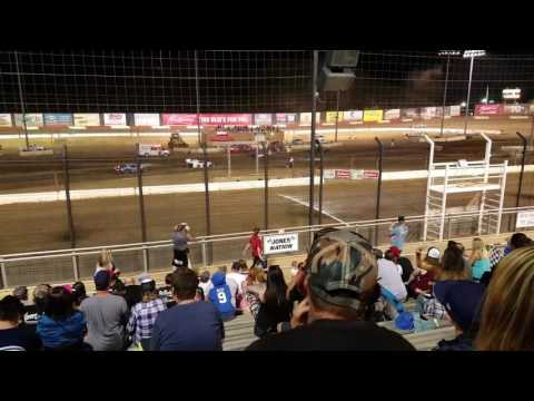 Perris Auto Speedway crash figure 8 Lanny Savage 5-20-17