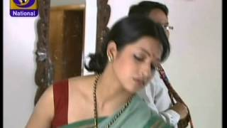 Repeat youtube video Bollywood Serial Artist Very Deep Navel Show