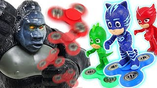 Giant gorilla Kong appeared! PJ Masks~! Defeat Kong with secret weapon fidget spinner! - DuDuPopTOY