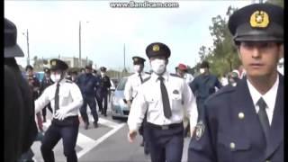 逮捕者を乗せた警察車両を襲撃 thumbnail