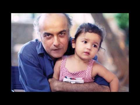 Bollywood director and producer Mahesh Bhatt with family