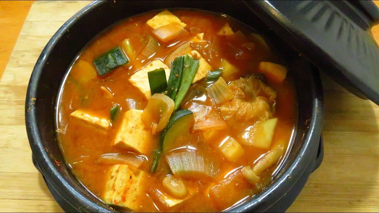 Sup Korea Doenjang Jjigae Sup Kacang Fermentasi Korea Korean Fermented Soybean Soup Youtube