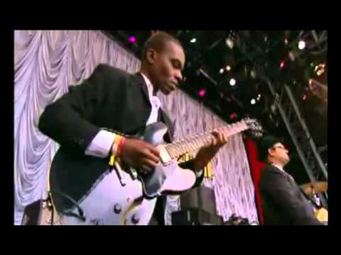 Amy Winehouse - Fuck Me Pumps (Live Glastonbury 2007)