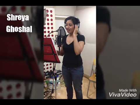 """Shreya Ghoshal"" Singing Telugu Beautiful Song"