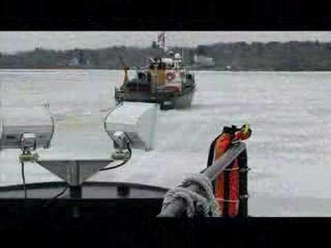 U.S.C.G.C. SHACKLE ICE BREAKING 2007