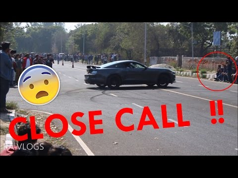 Ford Mustang CloseCall / donut fail / Bentley continental gt / Crazy Race / Delhi