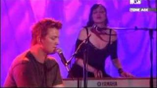 Queens Of The Stone Age - I Never Came (live and acoustic)