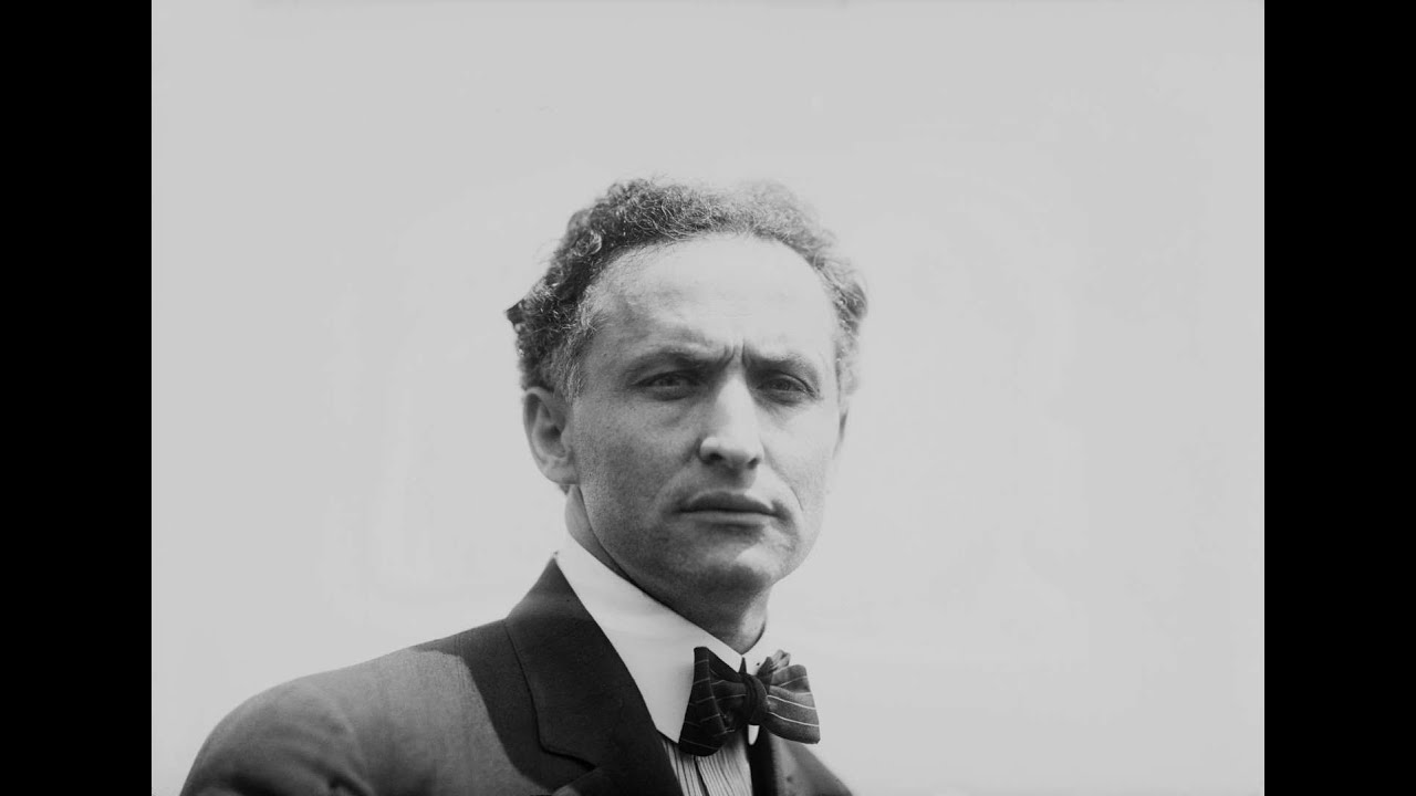 harry houdini Harry houdini: harry houdini, american magician, possibly the most famous of all time, noted for his sensational escape acts.