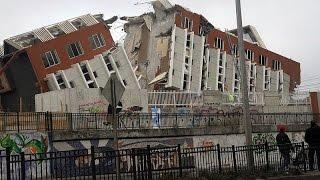 زلزال قوي مصور  باحدى المولات بالاكوادور بقوة 7 8 ريختر