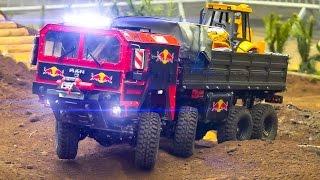 MEGA RC MODEL TRAIL TRUCK ACTION!! MAN 8x8 AND URAL 4320 6x6 / Fair Erfurt Germany 2017