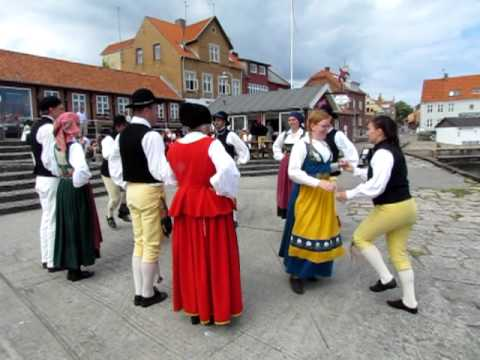 swedish clap dance A wedding dance still observed in sweden is the daldans, which contains a  women walk into center 3 steps, clap (count of 4) -- as women move in, men.