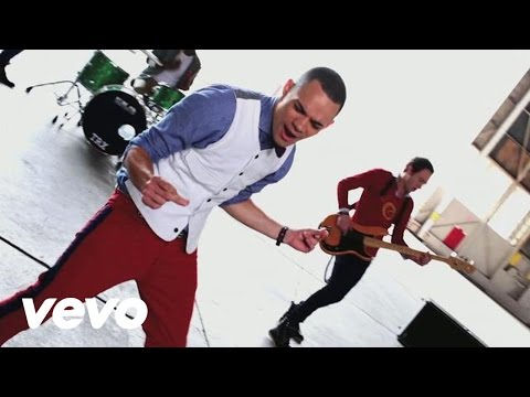 Royal Tailor - Make A Move