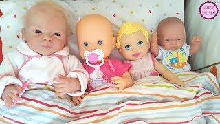 BEBÉS A DORMIR 👶 Clàudia juega con mi Lindea, Ben y sus juguetes en casa