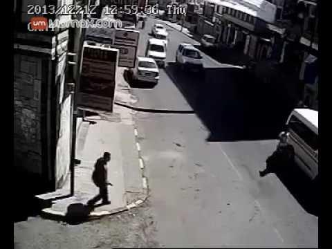 Bus runs over toddler in Yemen