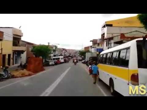 QUE DEUS ABENÇOE A CIDADE DE CRATEÚS E A TODOS. CRATEUENSES