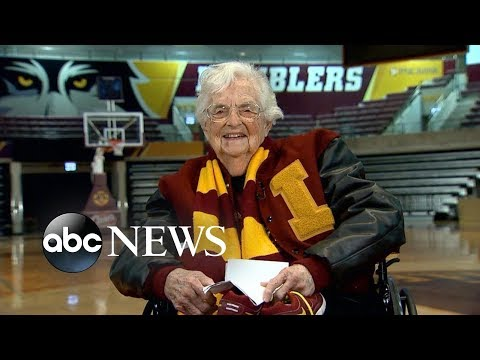 Download Youtube: Loyola-Chicago's Sister Jean shares her good-luck secret