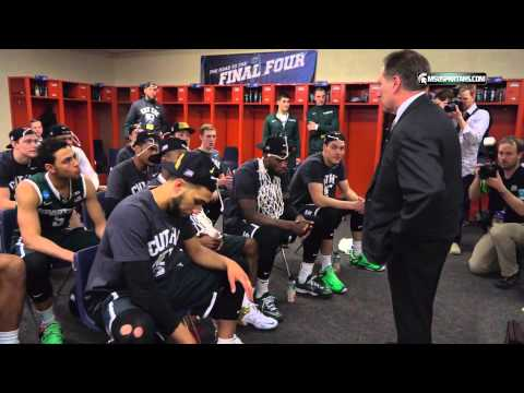 Michigan State coach Tom Izzo speaks to his team after Elite Eight overtime victory