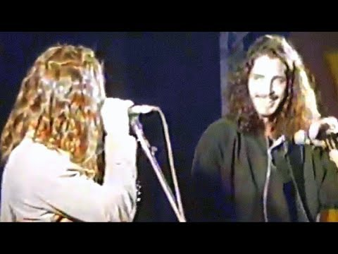 Chris Cornell and Eddie Vedder - Hunger Strike (Lollapalooza, September 8, 1992)