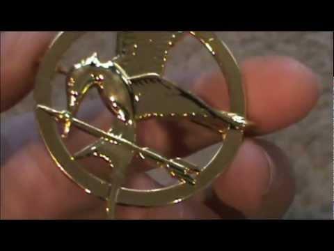 My Mockingjay Pin Came =D