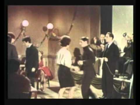 Alberto Testa  - Vestita di rosso --  (1962) (Alberto Testa - Rinaldo Cozzoli - Giulio Compare)