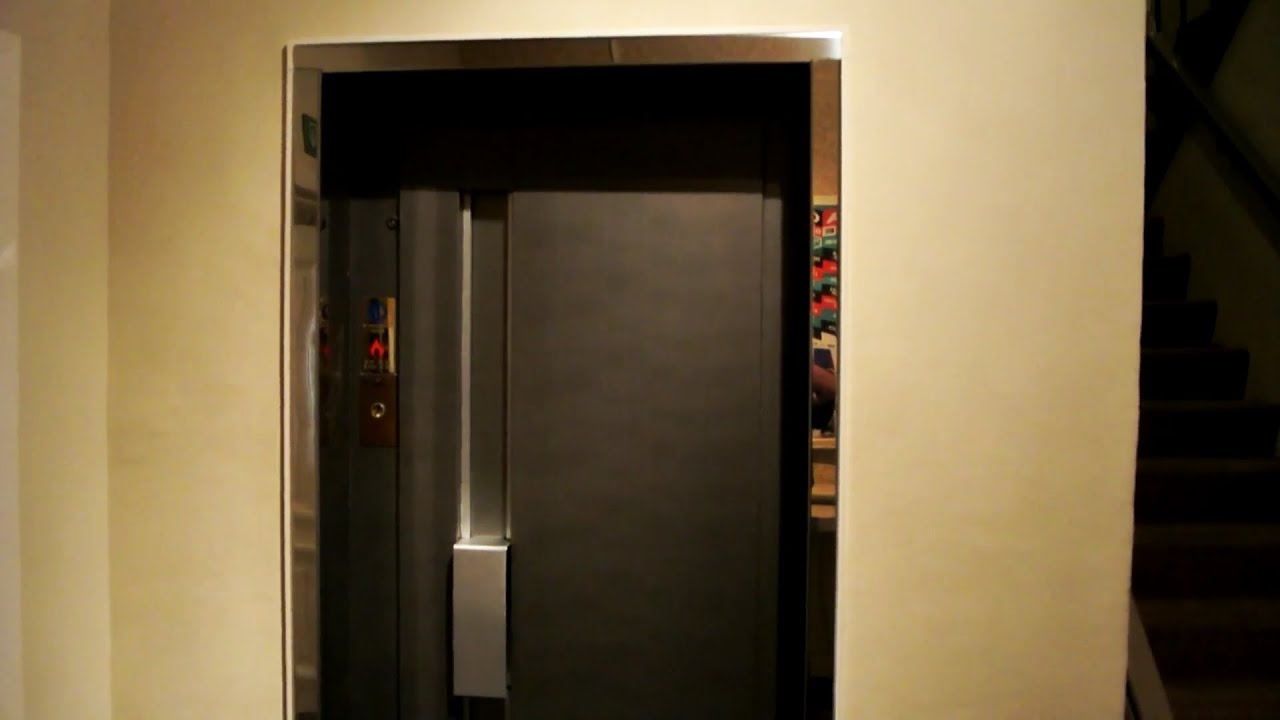 1982 OTIS traction elevator without inner doors (mb OTIS) @ Hotel**** Navarra Brugge Belgium - YouTube & 1982 OTIS traction elevator without inner doors (mb OTIS) @ Hotel ... Pezcame.Com