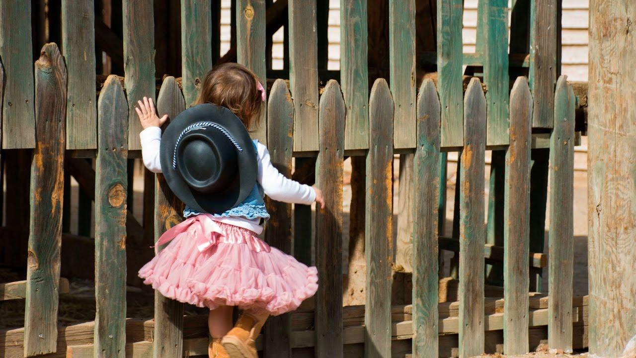 Como hacer Fotos a mi Bebe Vaquera   Tutorial Atrezzo y sesión de Fotos    Caballito de Madera aca4dc51492