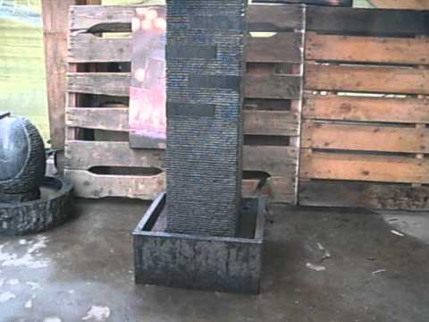 Waterornament Granieten zuil met verlichting en pomp