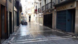 Tranquilidad en el centro de Pamplona en el primer día de estado de alarma