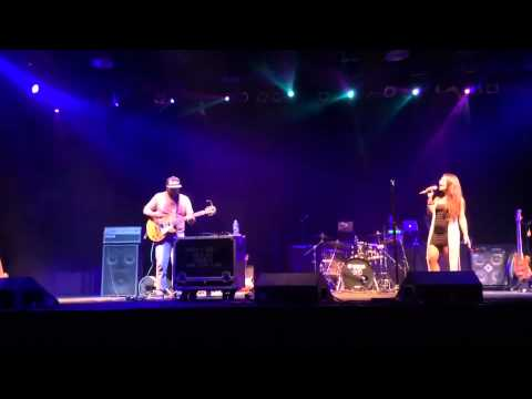 Sophie Berkal-Sarbit singing at Kool Haus with Luis Figueroa on guitar