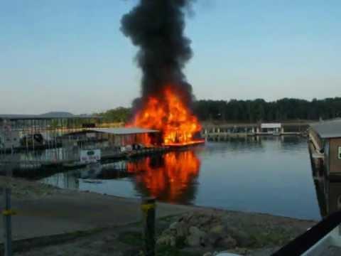 Fire At Ski Shack Port Of Kimberling Marina Youtube