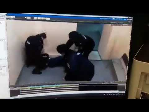 Ударил полицейского
