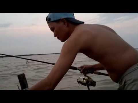 Chuyến Du Câu Đầu Tiên Của LươngKỳ Sông Cửa Đại Việt nam ngày 12-10-2013.