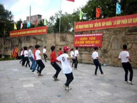 Youthday 2011 - Nhảy 12 bước cùng ca sỹ Duy Khoa