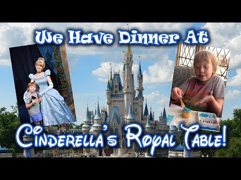 we-have-dinner-at-cinderella's-royal-table!